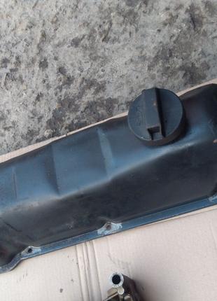 Клапанная крышка на Ваз 2107 Ваз 2104 Ваз 2121 нива