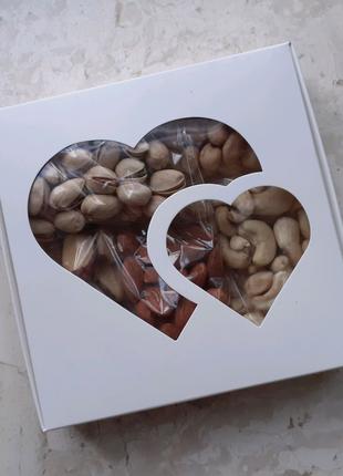 Фисташка, бразильский орех, кешью, миндаль, фундук