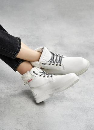 Новые женские зимние белые ботинки