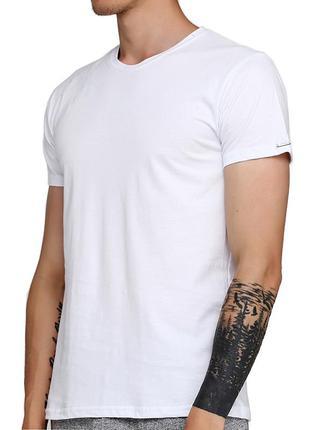 Мужская однотонная белая хлопковая футболка корнет. cornette 2...