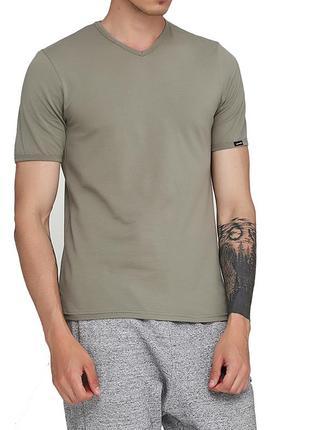 Мужская хлопковая оливковая эластичная однотонная футболка cor...