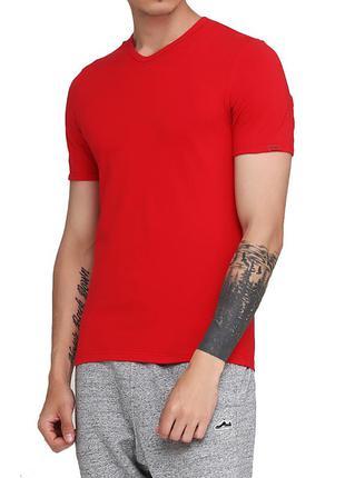 Мужская хлопковая эластичная однотонная футболка cornette. cor...