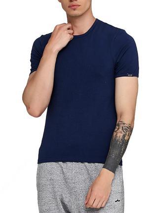 Мужская хлопковая синяя эластичная однотонная футболка cornett...