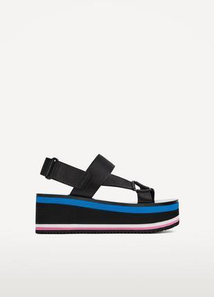 Очень стильные босоножки/сандали на платформе