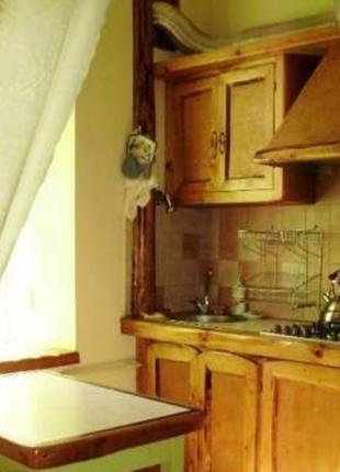 Сдаю квартиру-студию м. Золотые ворота. Код 1160468
