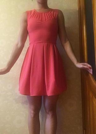 Платье коктейльное новое!