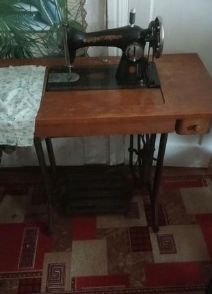 Швейная машинка ножная ПМЗ им. Калинина