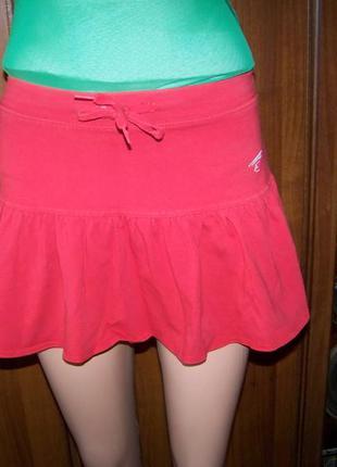 Красная турецкая спортивная короткая трикотажная юбка с волано...