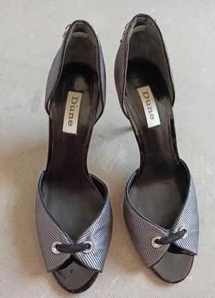 Элегантные туфли лодочки с открытым носком бренда dune р.38