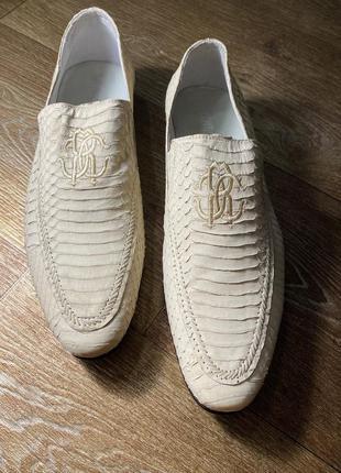 Туфли  roberto cavalli из кожи питона.