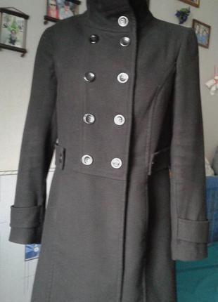 Пальто черное р 46-48-стильно модно и комфортно .классика