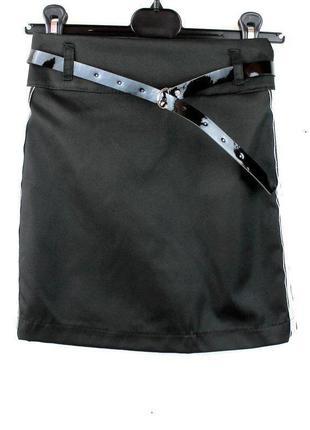 Школьная юбка карандаш с лампасами черная