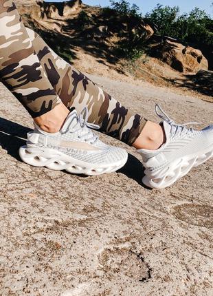 Текстильные кроссовки на узорной подошве в стиле adidas, кросiвки