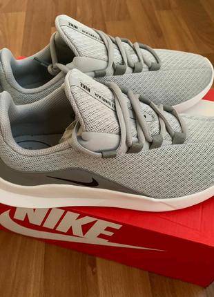 Мужские спортивные кроссовки Nike