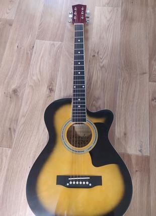 Продам новейшую акустическую гитару