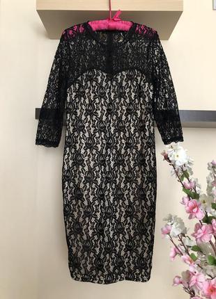 Вечернее кружевное облегающее платье