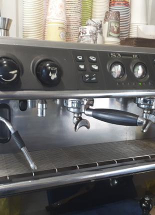 Професійна кавомашина La Spaziale s3