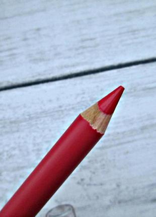 Качественный красный контурный карандаш для губ беларусь