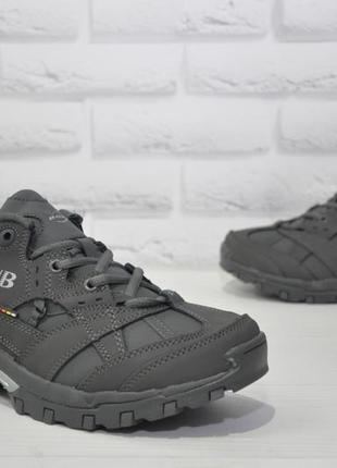 Мужские нубуковые кроссовки bona