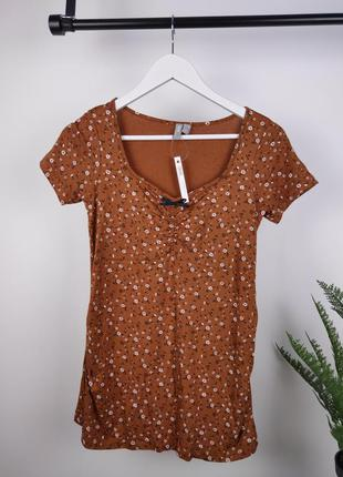 Коричневая футболка в цветок  для беременных от asos