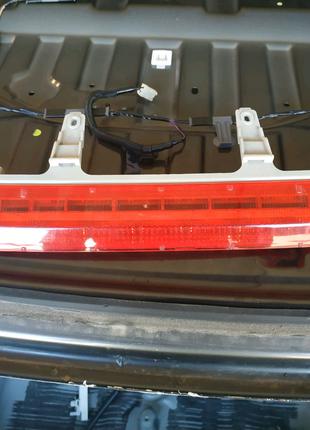 Стоп-сигнал на Jeep Cherokee KL(дополнительный , задний)