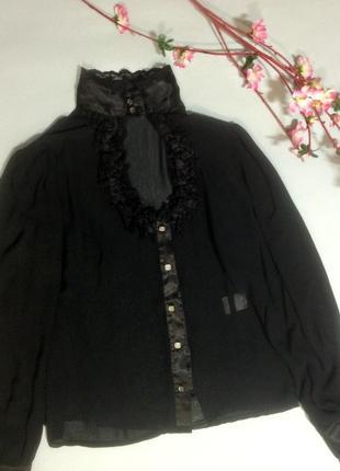 Черная блуза декольте