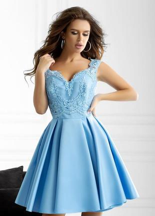 Нежное вечернее платье атлас
