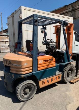 Вилочный автопогрузчик/автонавантажувач Toyota на 2 тонны