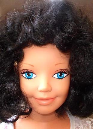 Волосы на обруче цвета черного шоколада