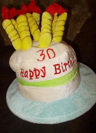 Шляпа-тортик со свечками на день рождения