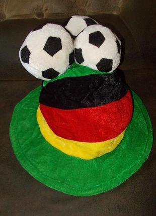 Шляпа цилиндр для футбольного фана