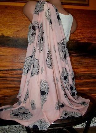 Новый шарф в готическом стиле
