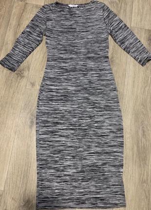 Платье  по фигуре на осень/зима
