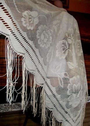 Красивая косынка-шаль очень большого размера