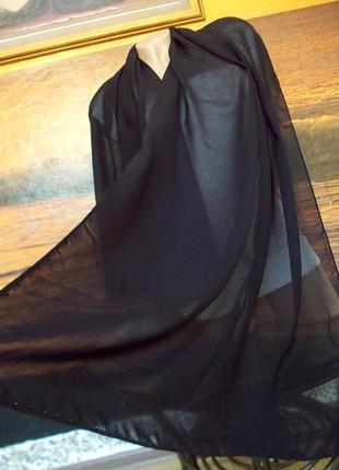 Шарф со стразиками черного цвета 160х67см