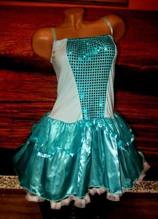 Красивое нарядное платье 44-46 размера