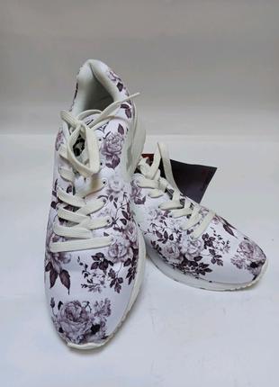 Кроссовки kangaroos. брендове взуття stock