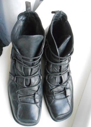 Ботинки 100%  кожа--Италия,р-р 37,5