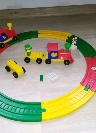 Конструктор железная дорога паровозик домик лего
