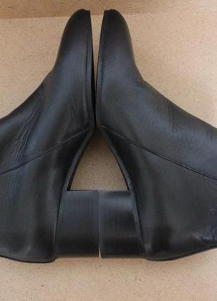Zara натуральные кожаные полуботинки на каблуке с замочком
