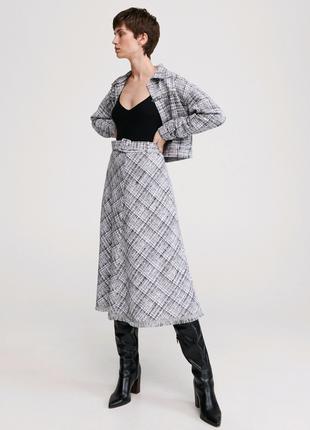 Актуальный костюм юбка и жакет, можно по отдельности