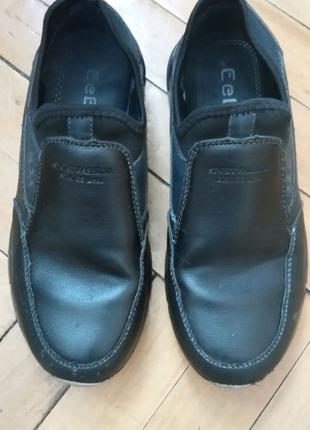 Черные туфли для мальчика