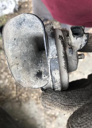 Клаксон ракушка сигнал звуковой Опель Вектра Б (Opel Vectra B)