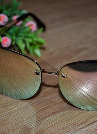 Женские солнцезащитные очки ,зеркальные.