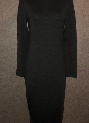Платье-футляр цвета темного хаки