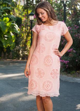 Кружевное платье больших размеров