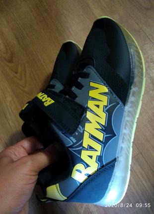 Кроссовки Primark 35 размер, светится подошва
