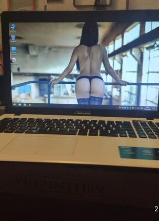 Игровой Ультрабук Asus X552m/4 ГБ/500 ГБ/Intel N2840 /1GB GT 820M