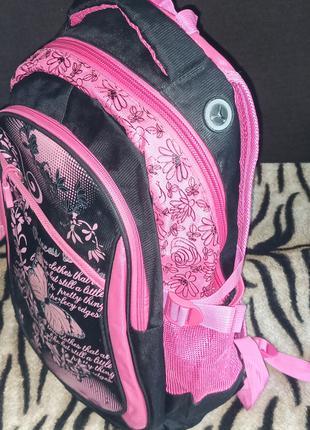 Продам рюкзак в школу для девочки.