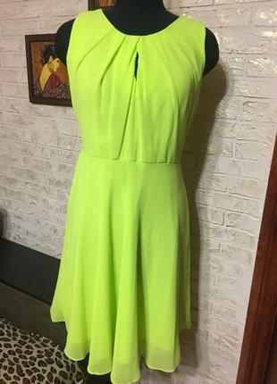 Неоновое шифоновое салатовое платье, на подкладке